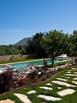 Athermigo Estate - Alargo | Håndplukkede ferieboliger på Kreta, Korfu og Paros