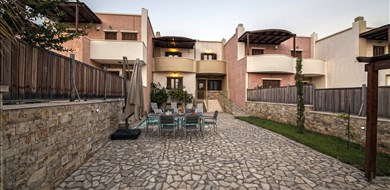 la-pellegrina-pearl-villa-makri-gialos-lasithi-crete-1 - Alargo | Håndplukkede ferieboliger på Kreta, Korfu og Paros